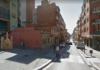 Calle Colomeres entre la calle Sant Luis, con la fuente amarilla.