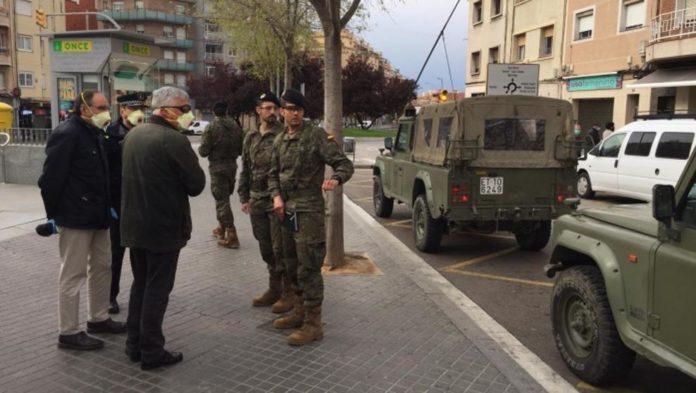 Efectivos de la UME en l'Hospitalet de Llobregat. Foto: La Vanguardia.