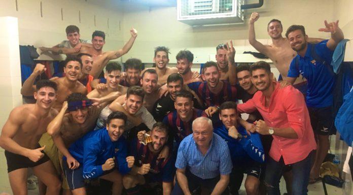 Celebración del CF Gavà tras la victoria (0-1). Foto: Twitter @cfgavaoficial.