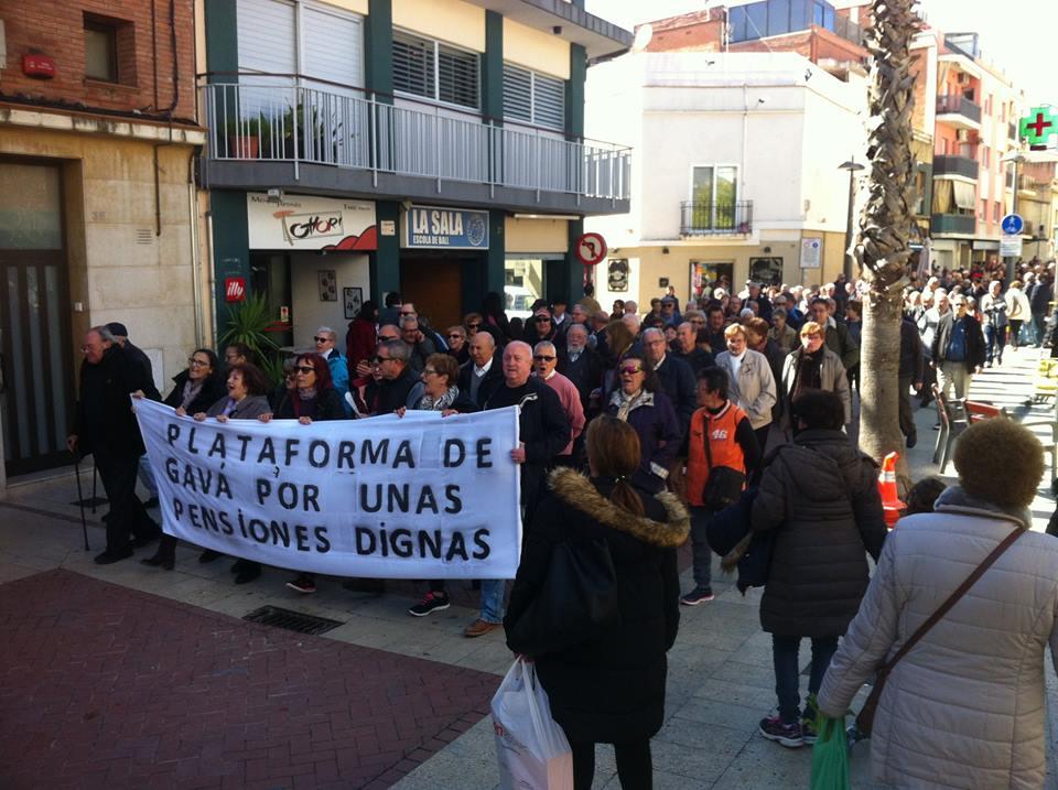 Manifestación en Gavà de la Plataforma por unas pensiones dignas.