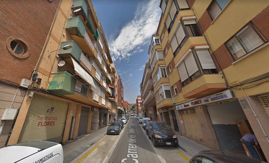 Edificio 147 de la calle Colomeres.