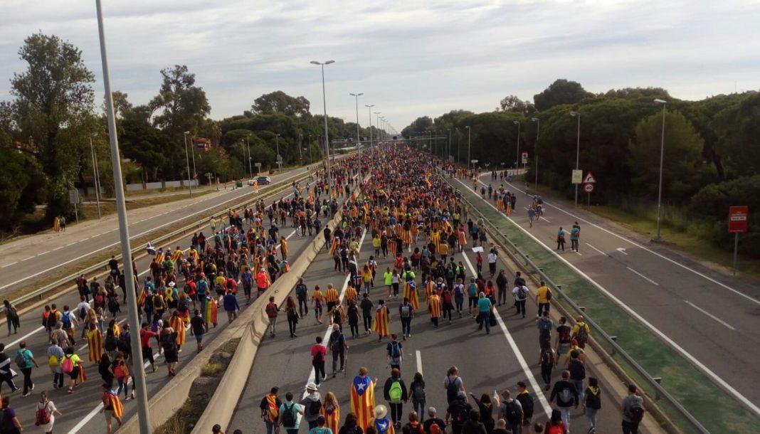 'Marxa per la Llibertat' por su paso en Gavà Mar. Foto: @xavicabopapiol