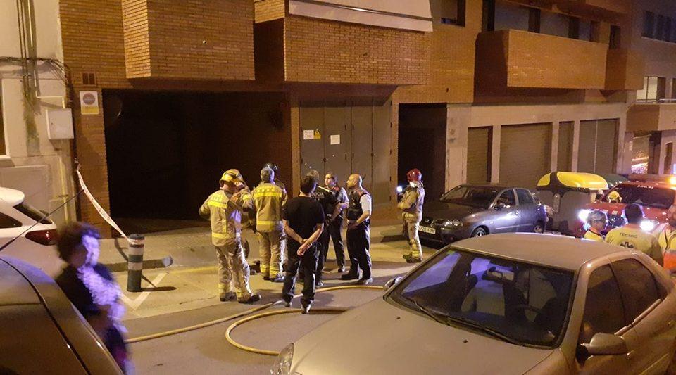 Policía y Bomberos en la zona afectada. Foto: Adreu Pérez (Facebook).
