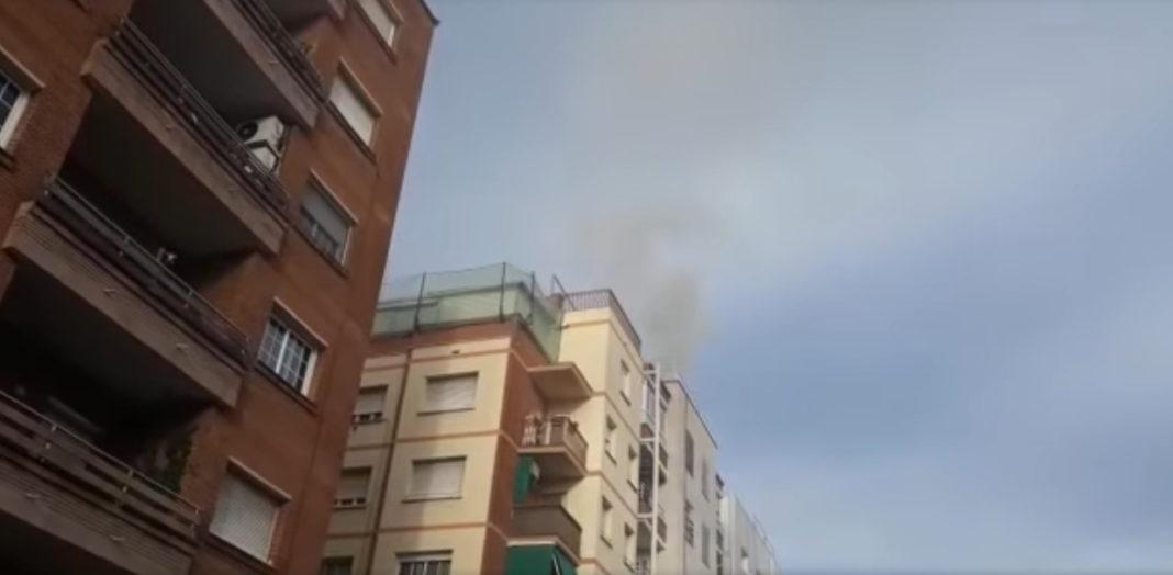 Incendio en el Dinapoli de Gavà. Fotos: Gava Televisió.
