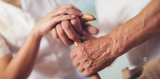 Teléfono de ayuda a personas mayores.