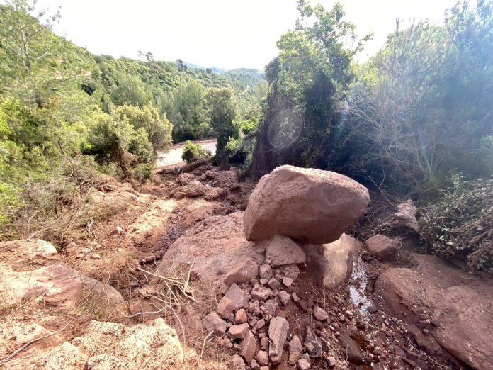 Nuevo torrente causado por las abundantes lluvias.