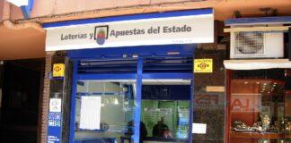 Administración de la calle Sant Isidre, al lado de la Illa.