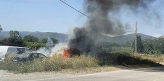 Incendio de matojos en Gavà. Foto: Miha A.