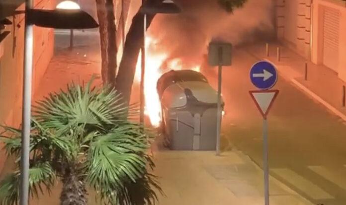 Nuevo incendio en contenedores en Gavà.