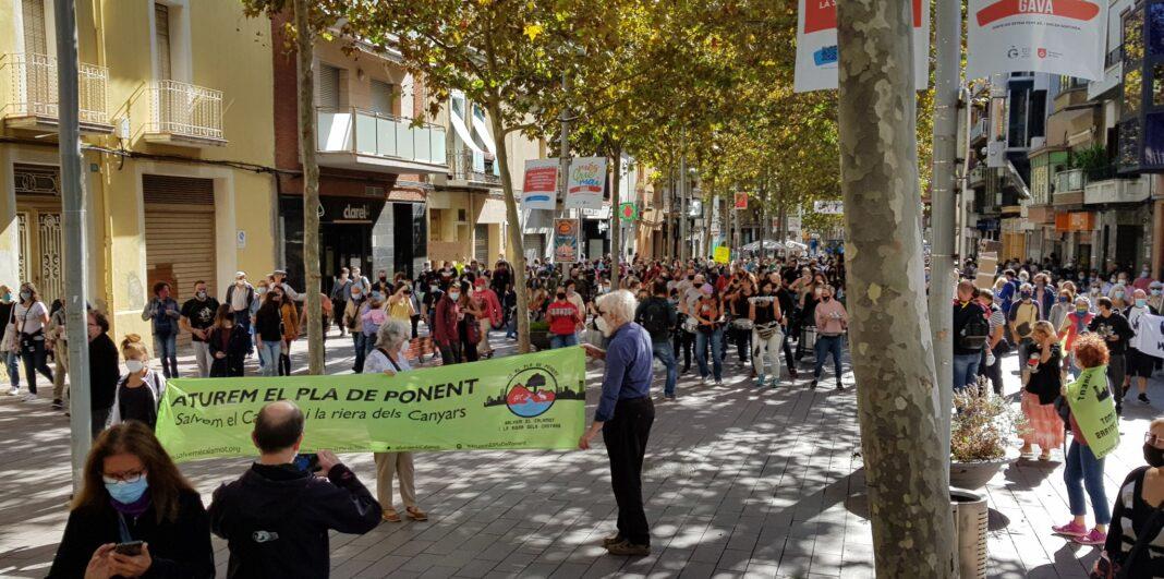Manifestación contra el Pla de Ponent. Foto: @more2come_.