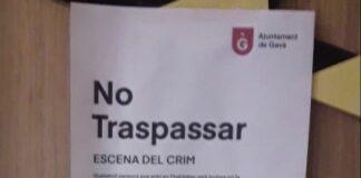 """No traspasar. Escena del crimen"", indica el cartel."