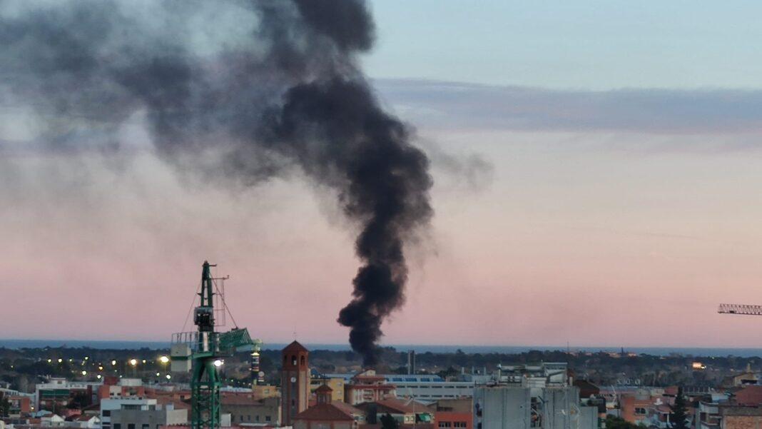 Incendio en la zona de la antigua caserna militar de Can Torelló.