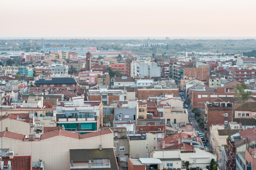 Vista de parte de Gavà junto a la calle Sant Joan.