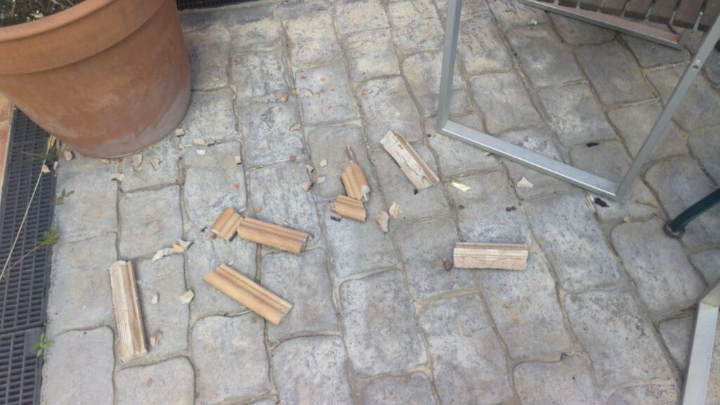 Desperfectos ocasionados por el temblor del pasado día 11 en la Plana Novella (Olivella).