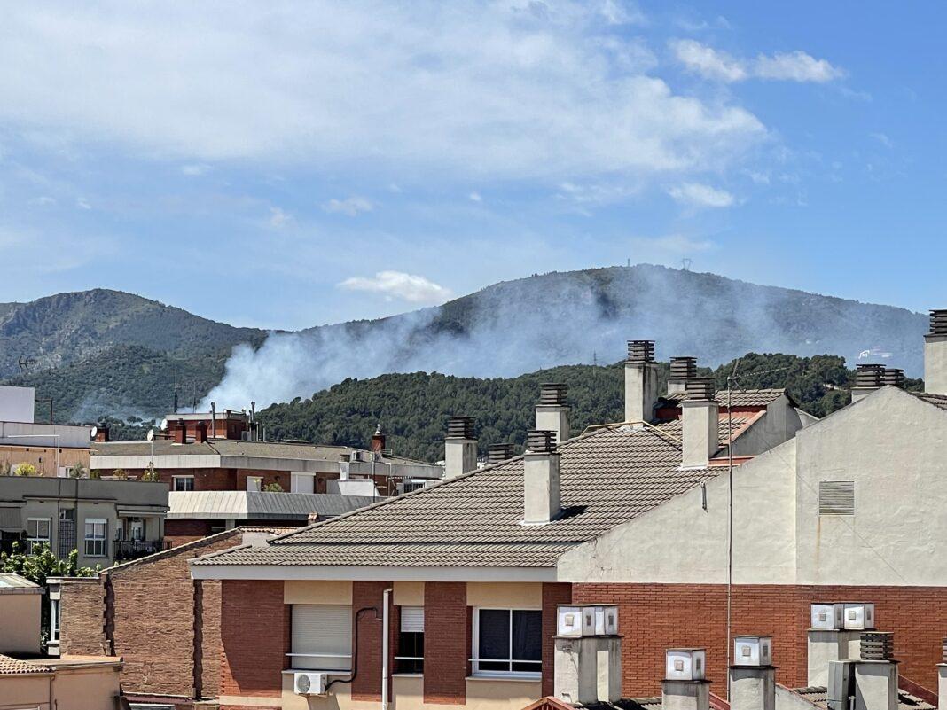 Incendio visto desde el centro de la ciudad.