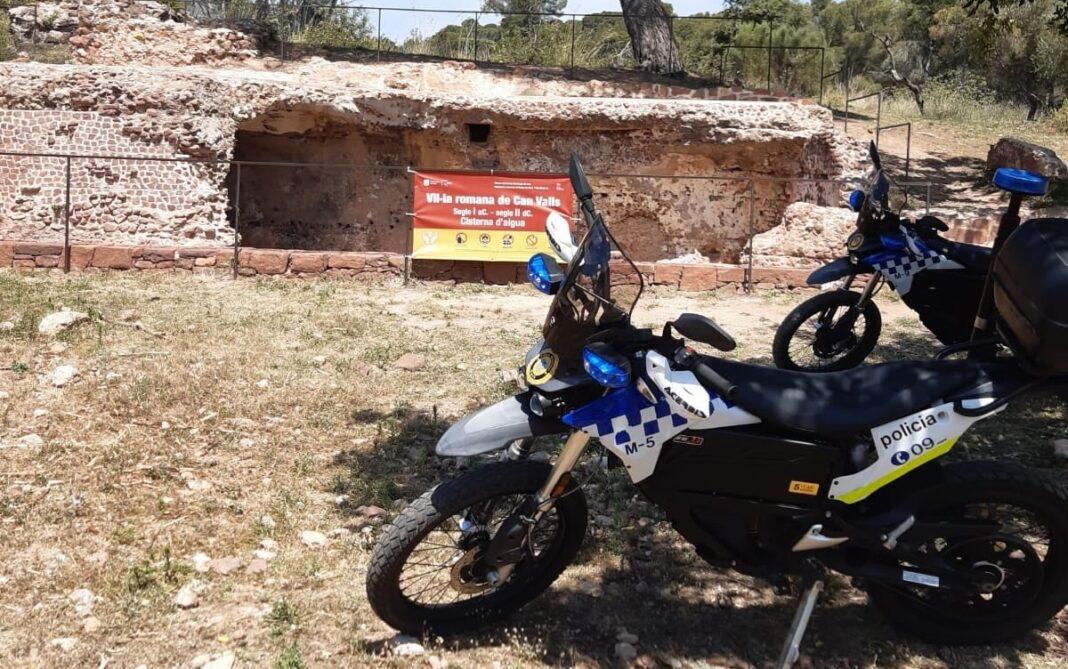 Patrulla de la Policía Municipal en Can Valls. Foto: Ayuntamiento de Gavà.