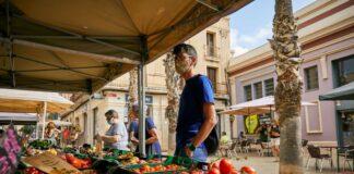 Mercat de Pagès en la plaza mayor.
