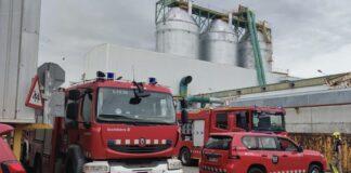 Unidades de Bomberos en la 'deixalleria' de Gavà. Foto: Ayuntamiento de Gavà.